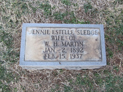 Estelle Jennie Sledge Martin's headstone